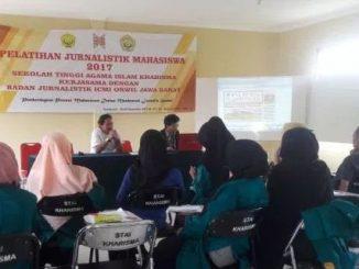 Pelatihan Jurnalistik Mahasiswa STAI Kharisma Sukabumi